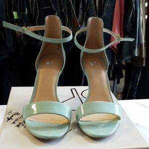 Preowned mint patent heels by BP sz 10M